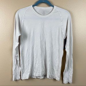 NUX NWT white fitted work out top size small